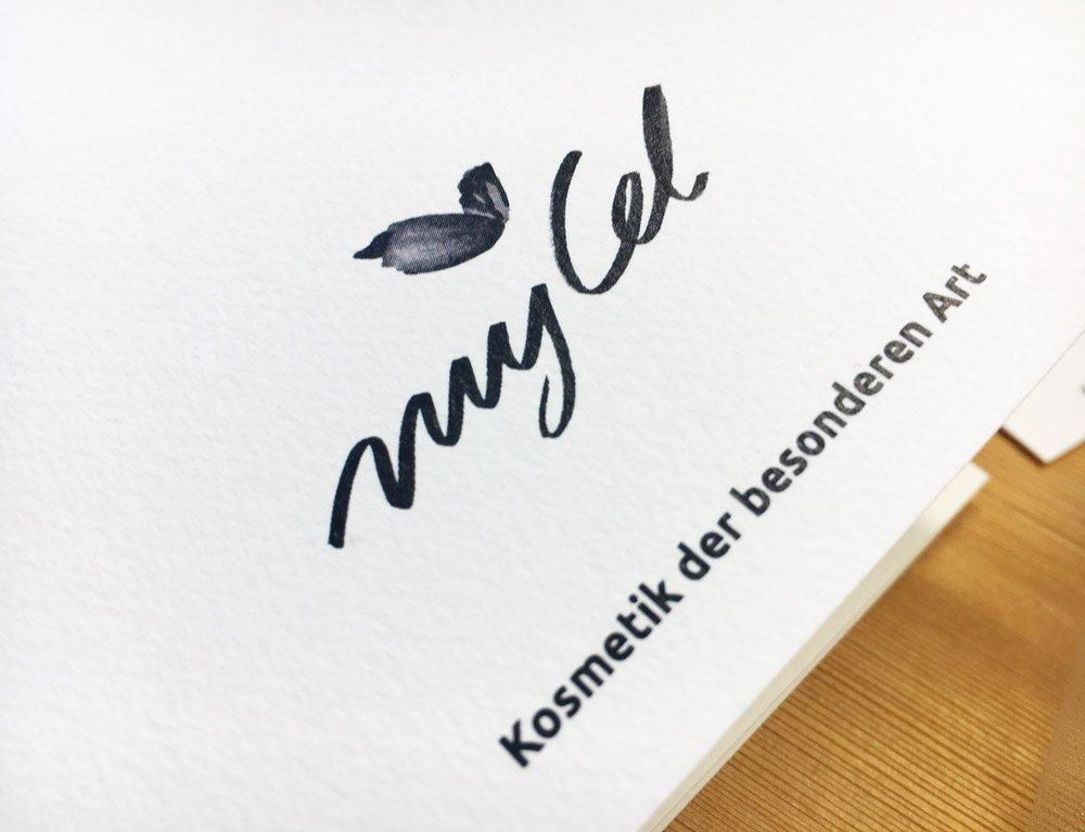 Logo Design Markenzeichen Kosmetik